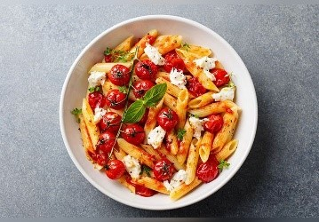 Pâtes tomates feta et huile d'olive
